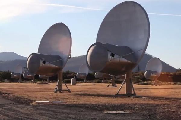 ŠOKANTNA PORUKA IZ SVEMIRA – Misteriozni vanzemaljski signali raspametili naučnike!
