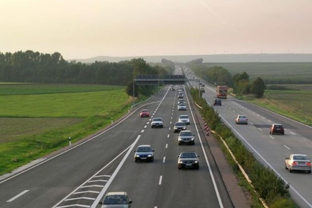 POVEĆAVA SE DOZVOLJENA BRZINA NA AUTO-PUTEVIMA: Vozači će moći da jurcaju 130 km/h