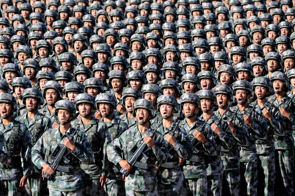 KINA I INDIJA NA IVICI SUKOBA: Indijci gomilaju vojsku na granici, Kinezi uzvratili istom merom