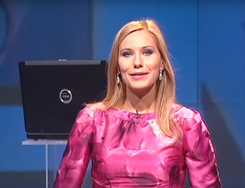 DA I JA NEŠTO SNIMIM DANAS: Slagalicu gledaju milioni, a sada je voditeljka Marija Veljković podelila trenutak iza kamera! (VIDEO)