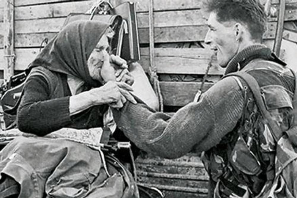 Image result for Hrvatsko vojnik vuče srpsku baku za nos