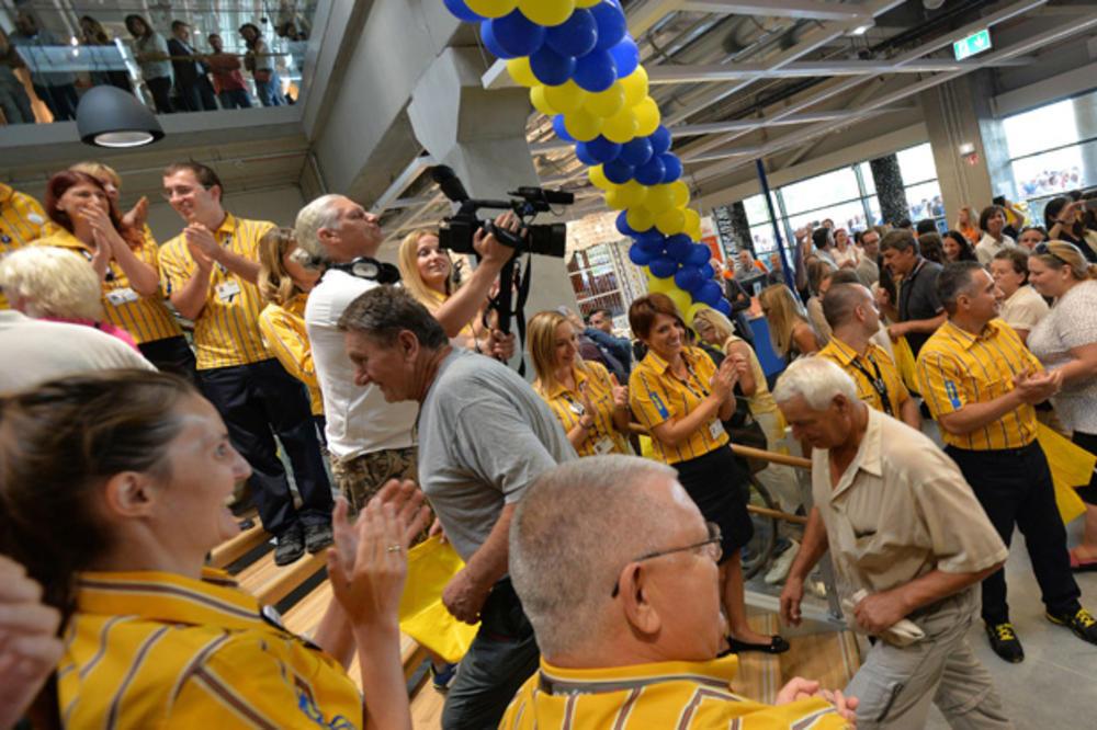 Holanđani beogradsku Ikeu slavili uz sarmu, Šveđani uz lenju pitu