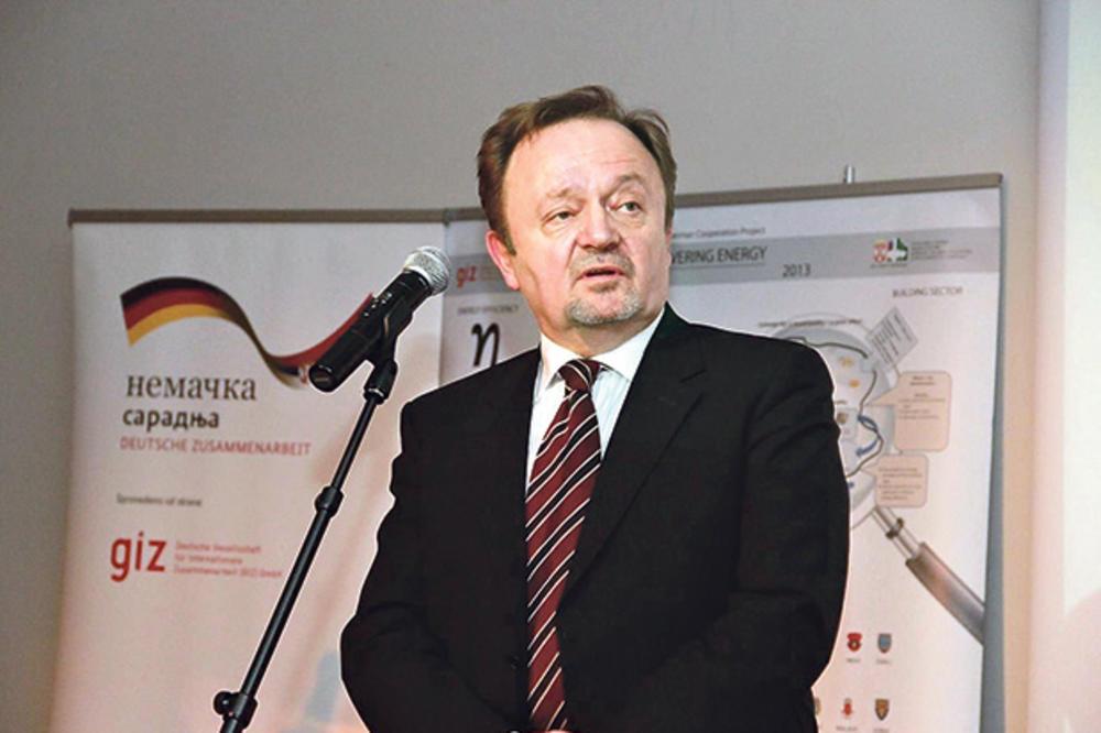 SRAMOTA: Bivši direktor Infostana prevario 383.000 građana, a kažnjen sa 10.000 dinara!