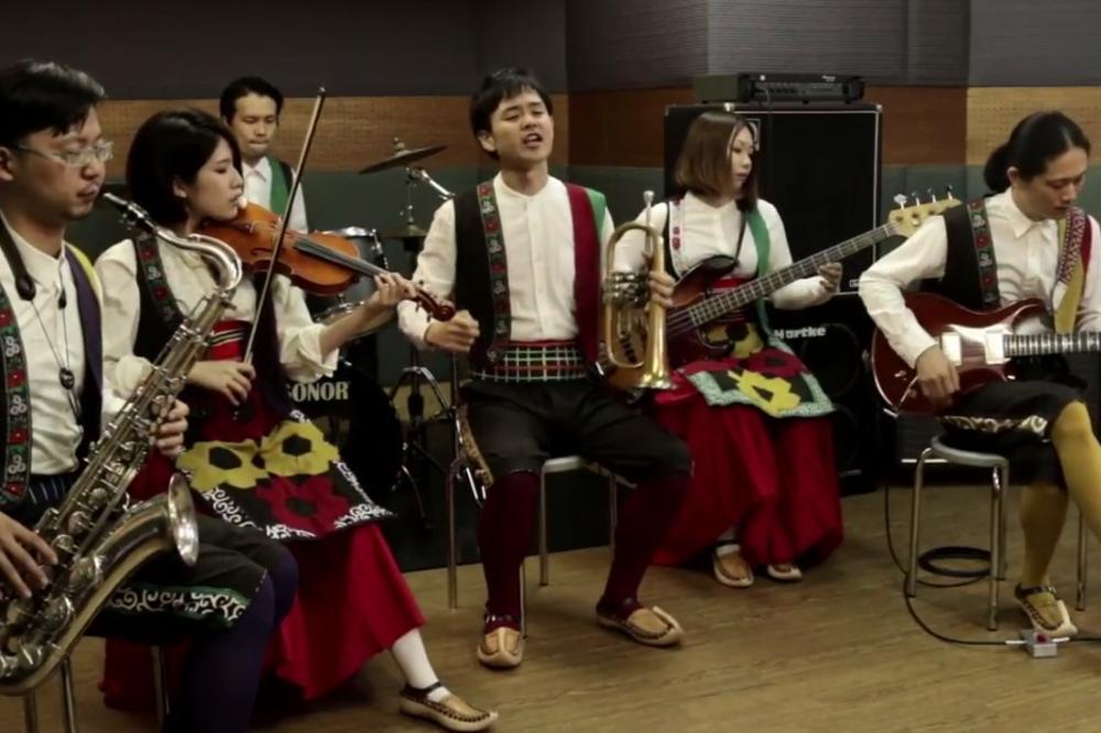 (VIDEO) KAD SAMURAJI SA SRPSKOM TRUBOM ZAGRME MESEČINU I NIŠKI ČOČEK:  Japanci koji sviraju srpsku muziku prvi koncert u Beogradu drže na Bogojavljenje!