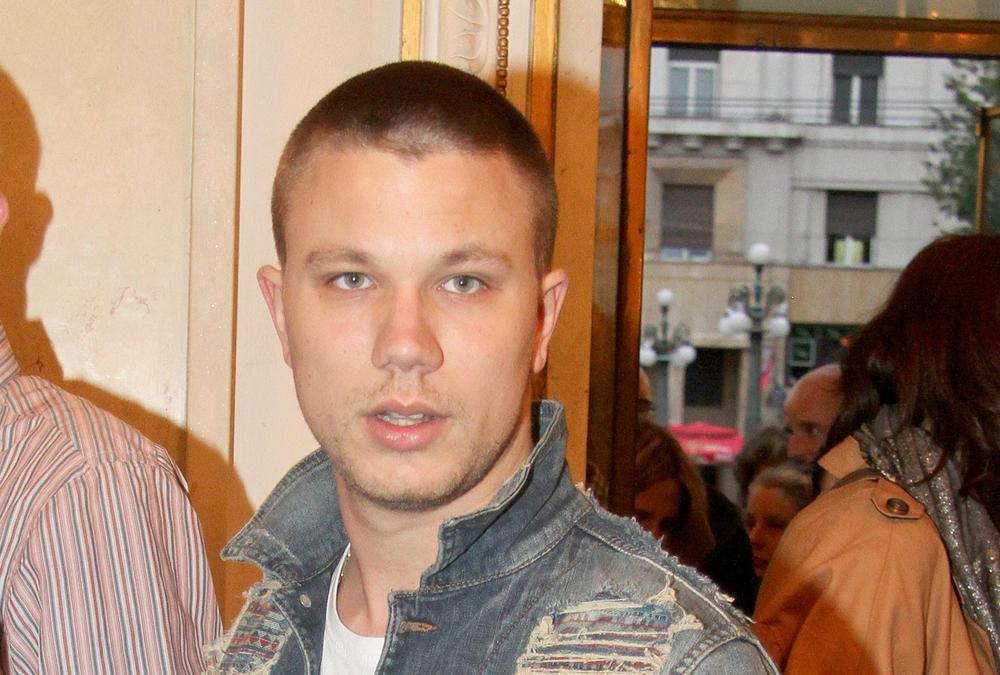 (FOTO) FANOVI OPET BRINU: Nakon što je Relja završio u bolnici usledio je novi šok!