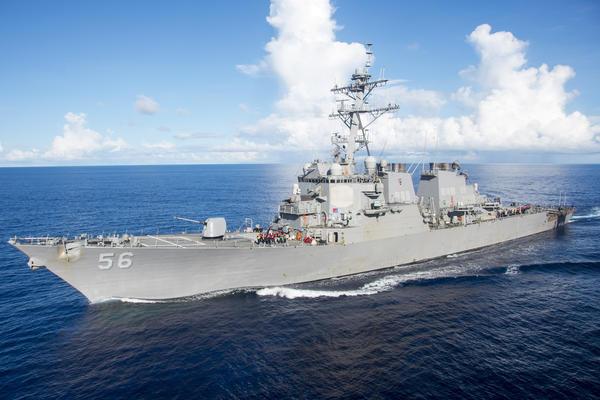 NOVI SKANDAL NA MORU – Američki razarač se sudario sa tankerom, 10 mornara nestalo! VIDEO
