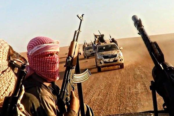 ALARMANTNO! ISLAMSKA DRŽAVA JE NA PRAGU EVROPE – Džihadisti koji su pobegli iz Sirije i Iraka imaju novu bazu, kampovi samo niču!?