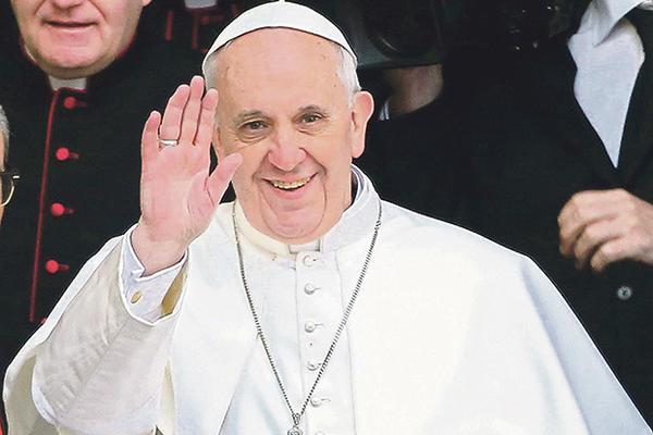 PAPA ŠOKIRAO SVET IZJAVAMA – Čelnik Vatikana iskreno o ženama i komunizmu!