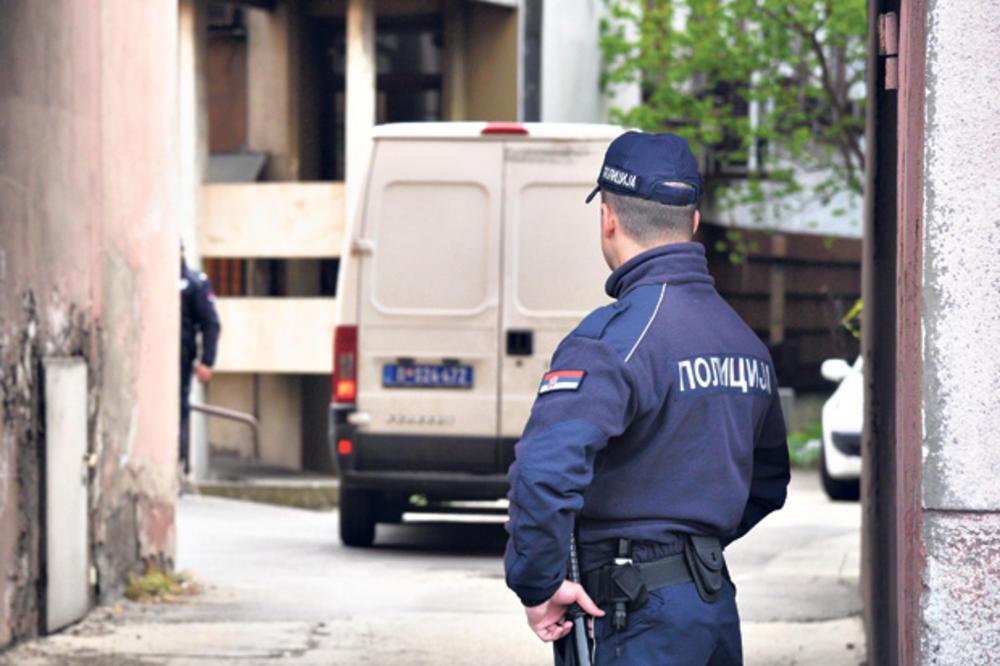 UZBUNJIVAČU IZ NOVOG SADA ZAPALILI AUTO: Pandurov prijavio komunalce, pa pronašao potpuno uništen automobil!