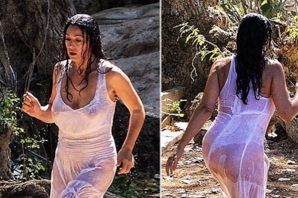 (FOTO) MONIKA BELUČI NIKAD PROVOKATIVNIJA: Lepa Italijanka u providnoj haljini pokazala atribute! Muškarcima nije dobro!