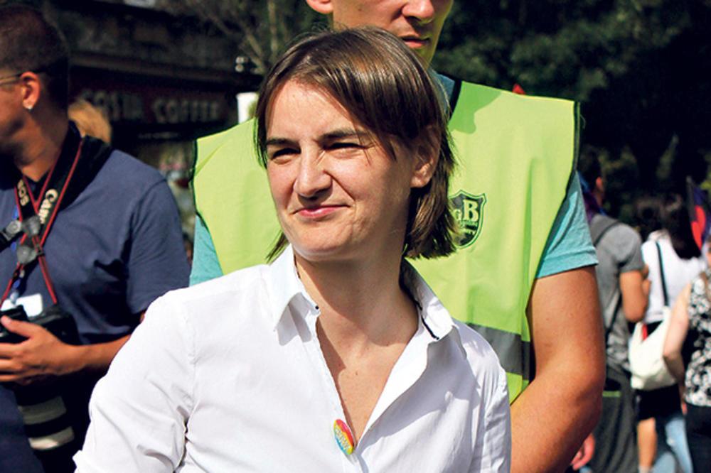 KO ĆE SVE OD POLITIČARA NA PARADU PONOSA – U šetnji s gejevima prvi put i premijerka Srbije!
