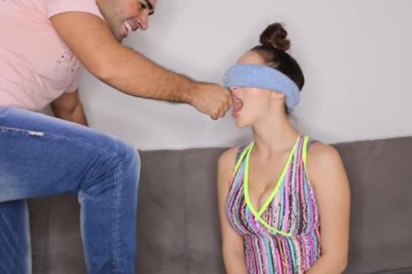 (VIDEO) POGODI DEO TELA: Igrali su se vezanih očiju, a onda