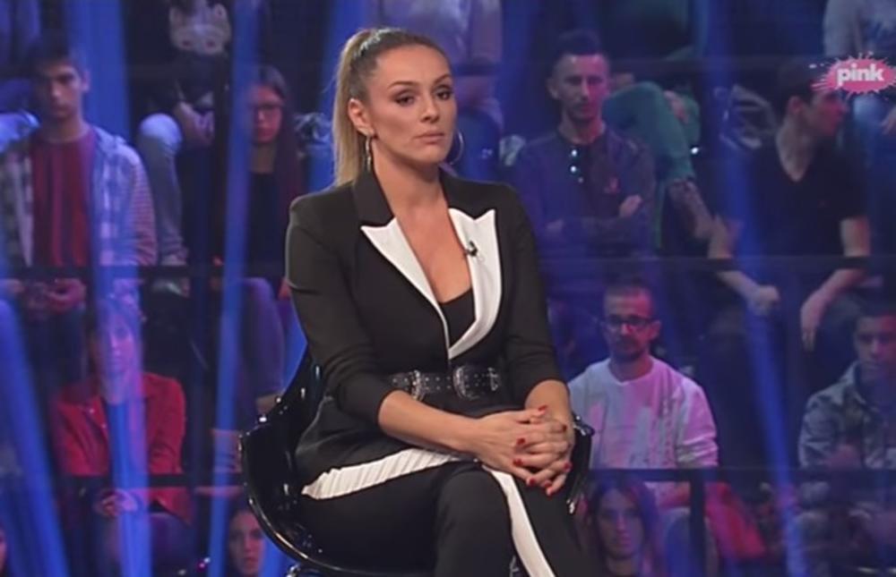 PEVAČICA NAPRAVILA HAOS: Luna Đogani se onesvestila nakon skandala koji je napravila Anabela!