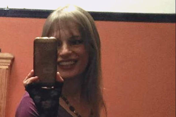 NIKO NE VERUJE DA JE MOGUĆE: Roksi Dilan pokazala kako u 60.