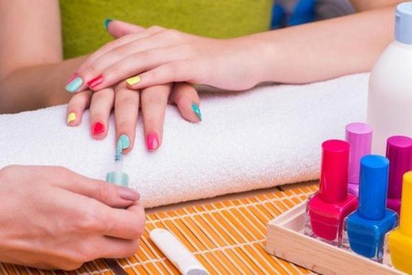 FENG ŠUI MANIKIR: Kombinacijom ovih boja privući ćete sreću
