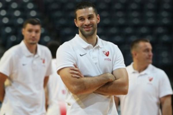 (VIDEO) PODRŽITE NOVI TIM: Trener košarkaša Crvene zvezde poslao