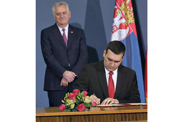 SPREMIO PLAN B: Ako napusti SNS, Radomir Nikolić pravi svoj
