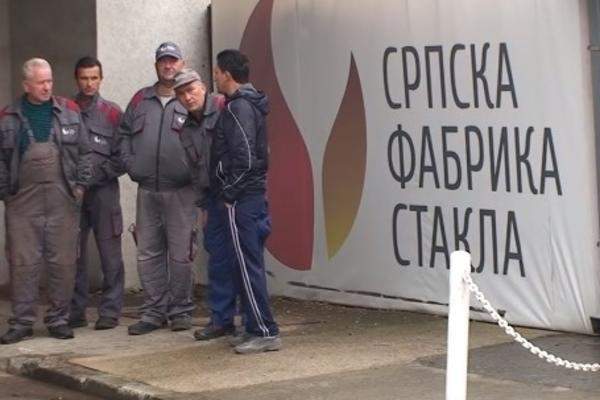 PROTEST RADNIKA SRPSKE FABRIKE STAKLA U PARAĆINU: Nikog nije