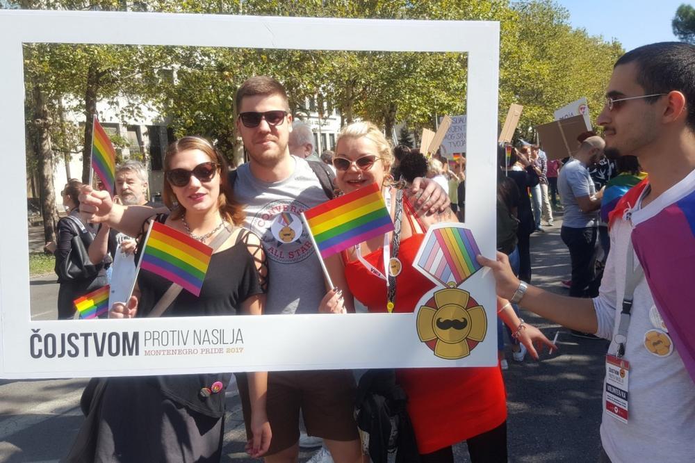 Gora crna gay oglasi Crna Gora