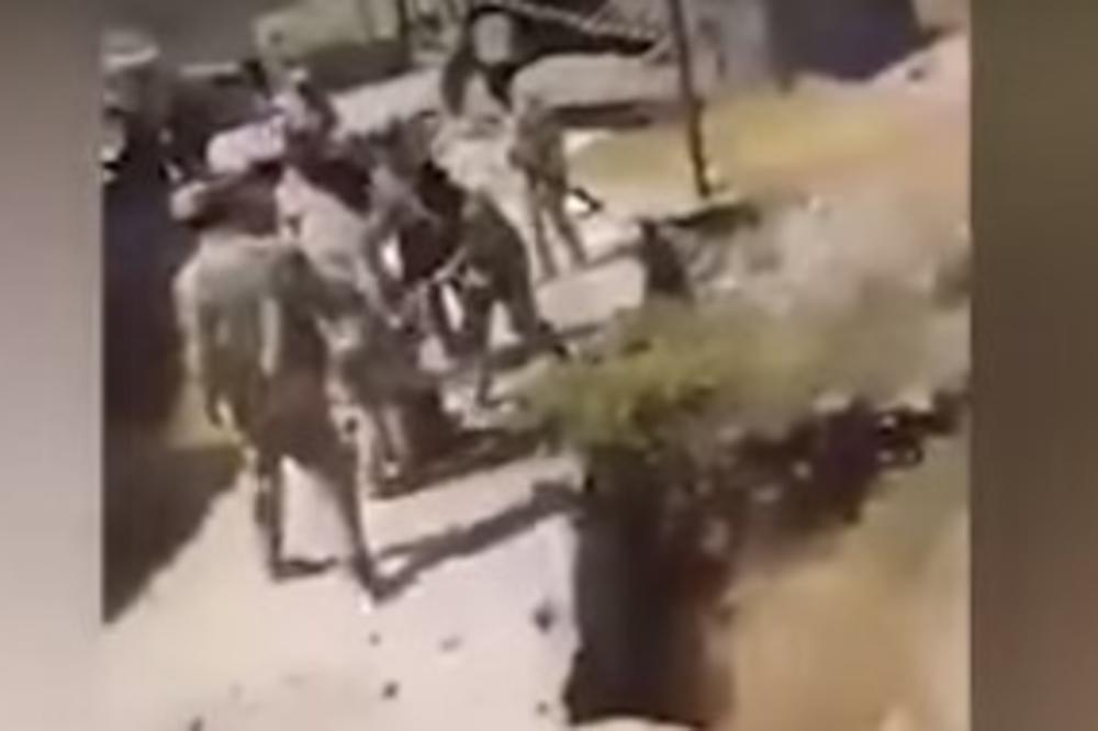 (UZNEMIRUJUĆI VIDEO +18) IRAČANI BEZ MILOSTI PREMA DŽIHADISTIMA: Bacali borce ID sa litice, pa pucali u njih
