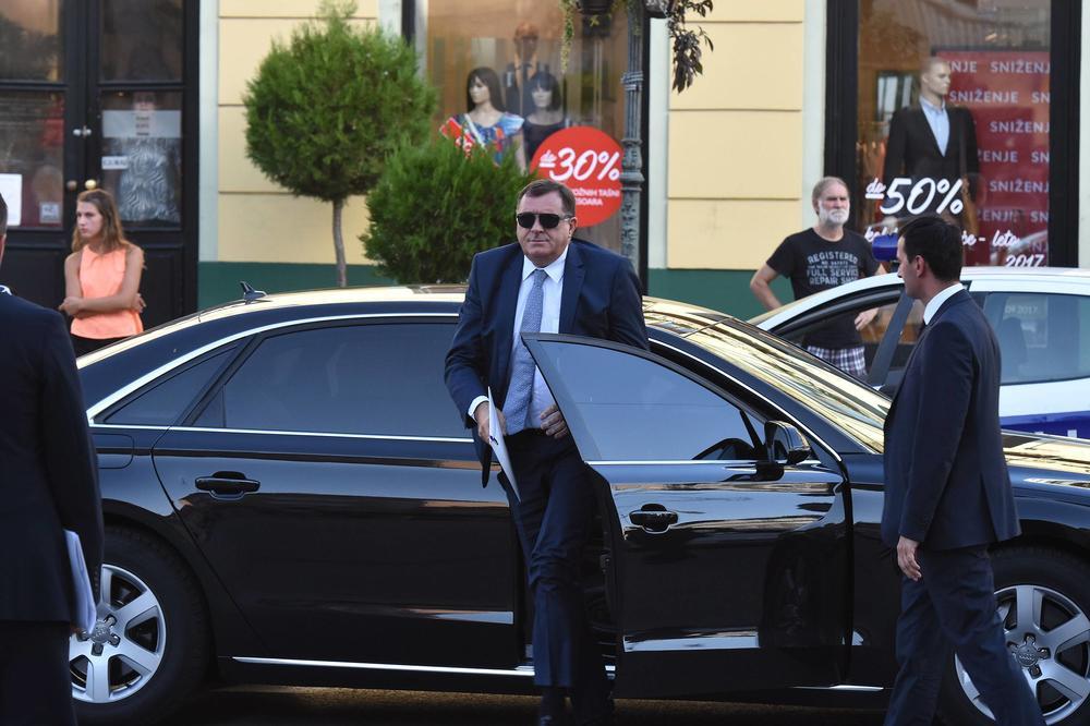 Dodik kupuje još dva automobila!