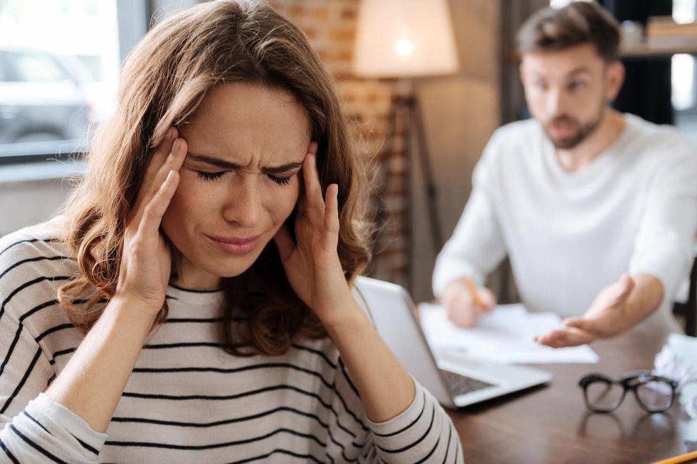 OČAJ I TUGA SE PRENOSE NA VAS: Postoji 5 načina da prestanete da upijate tuđu negativnu energiju!