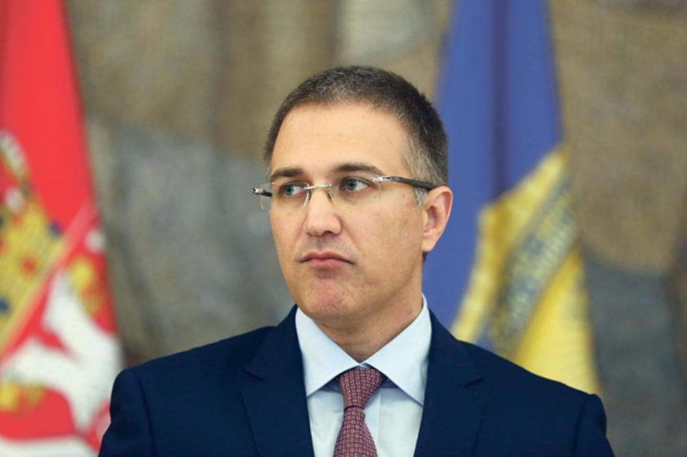 """VELIKI SKANDAL TRESE SRPSKU POLICIJU: MUP ćuti o policajcima koji su radili za """"zemunce"""""""