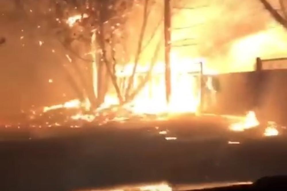 (VIDEO) VATRA GUTA SVE PRED SOBOM: Ovako izgleda vožnja kroz pakao Kalifornije