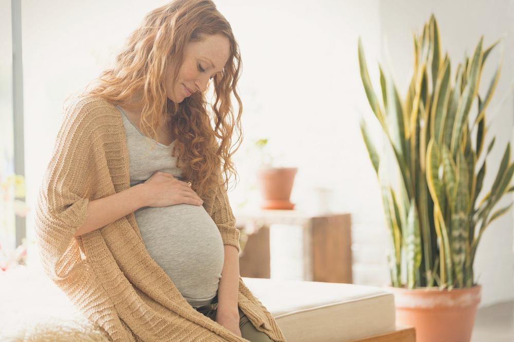 (FOTO) ISTINA O KOJOJ SVE ŽENE ĆUTE: Elis je pokazala šta se zaista dešava sa stomakom svake žene posle trudnoće