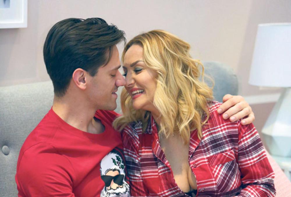 GOCA OTVORENO ZA MAGAZIN GLOSSY O BORBI ZA POTOMSTVO: Evo zašto je pevačica za Glossy progovorila o problemu sa kojim se susreće sve više parova u Srbiji i svetu!