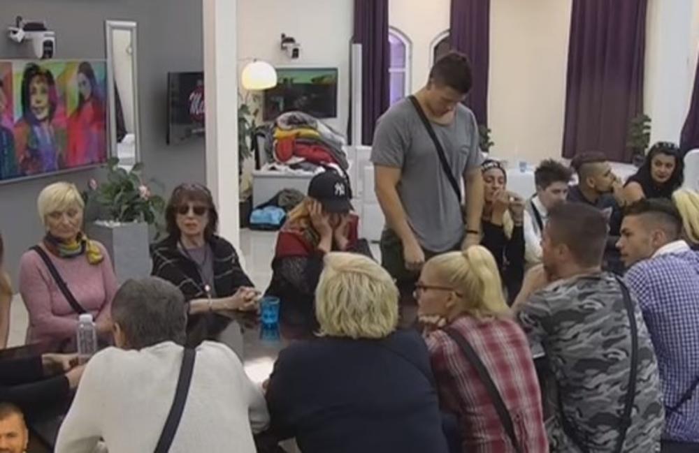 (VIDEO) POTRESNA ISPOVEST ZADRUGARA: Sa 14 godina sam pevao ispred crkve i tako zarađivao za život