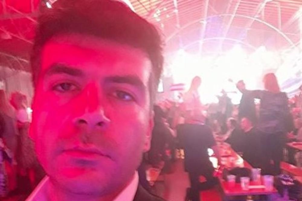INCIDENT NA PROSLAVI POSLE IZBORA: Pristalica FPO udarila novinara pesnicom u lice