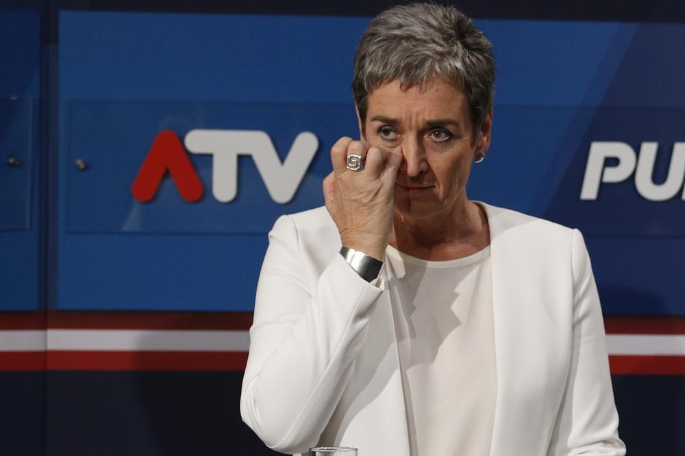AUSTRIJA POSLE IZBORA: Felipe i Lunaček uz suze podnele ostavke