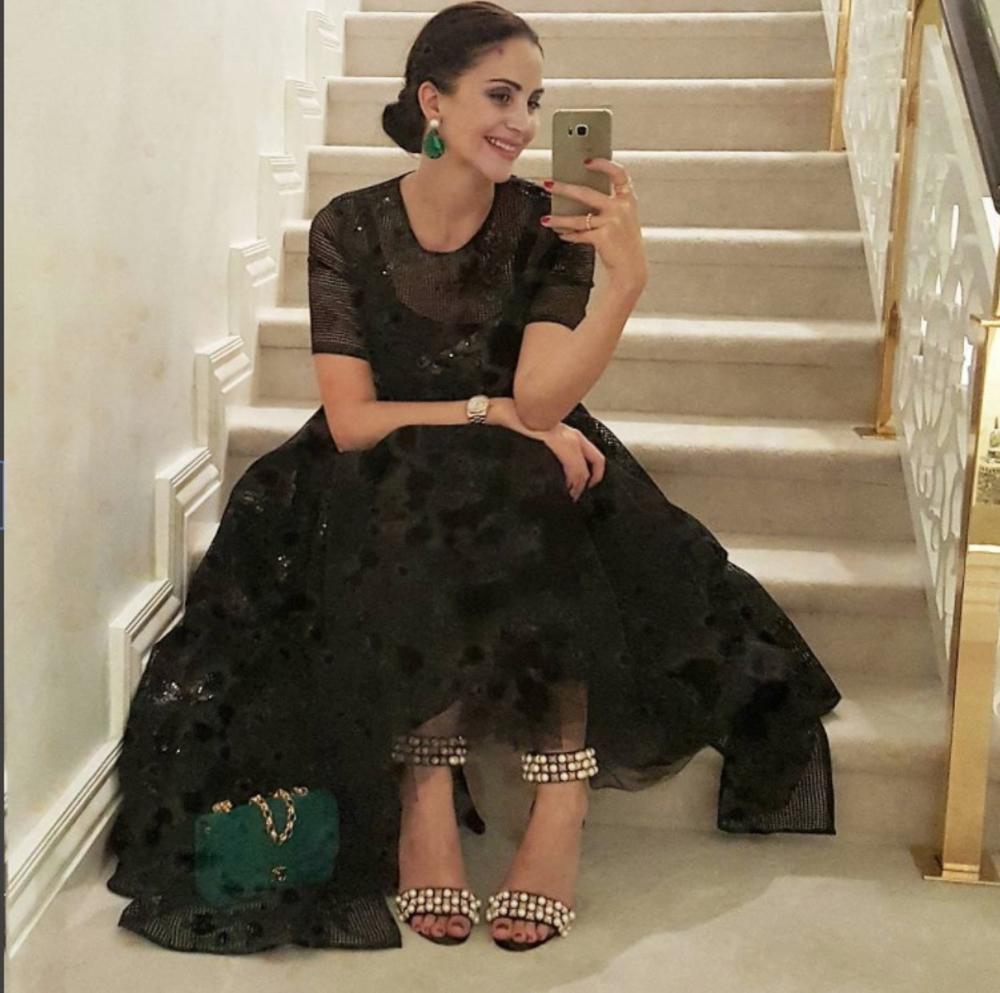 VRATILA SE STAROJ LJUBAVI: Poznata srpska manekenka Jelena Bin Drai uživa u luksuznom životu i ne prestaje da radi!