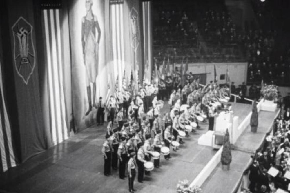 (VIDEO) SAKRIVENA ISTORIJA: Vreme kada su Amerikanci usred Njujorka slavili Hitlera