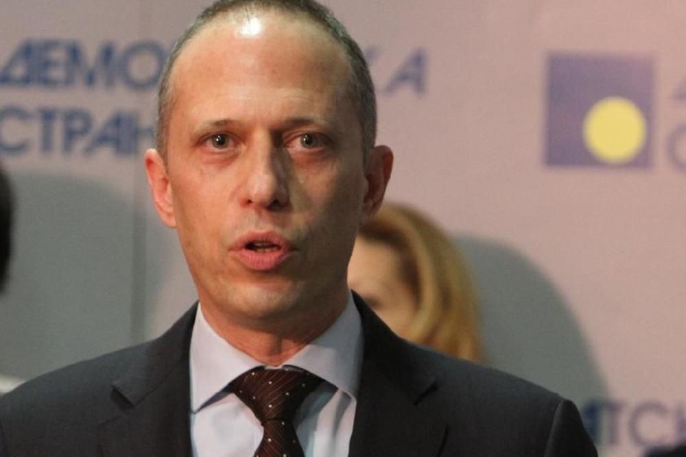 Stefanović (DS) o kreditima u švajcarcima: Brnabićka smatra da građanima koji grcaju pomoć nije potrebna