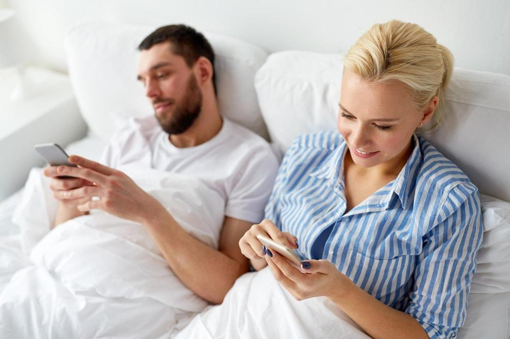 NE VERUJTE SVEMU ŠTO PROČITATE NA INTERNETU: Ovo su najgori saveti o seksu ikada!