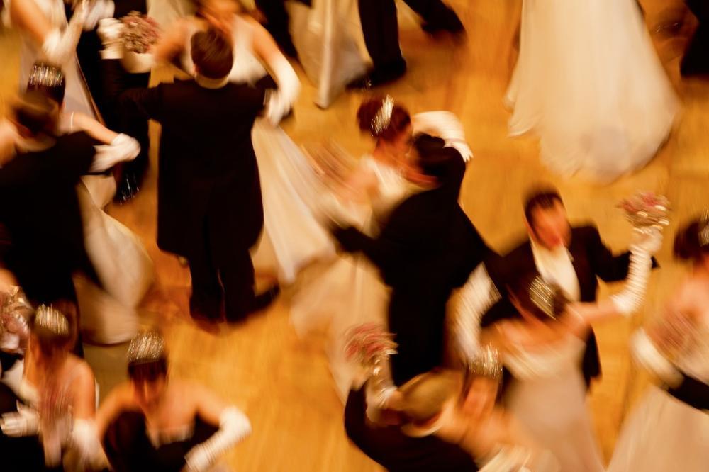 (VIDEO) POČINJE SEZONA BALOVA: Beč od 11. novembra postaje prestonica glamura i plesa!