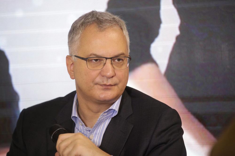 ŠUTANOVAC: Licemerne i netačne optužbe da bežim od problema Kosova
