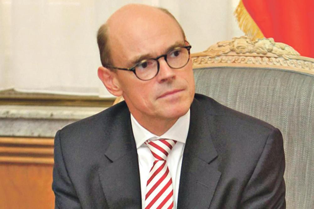AMBASADOR NORVEŠKE: Srbija treba da sedi samo na svojoj stolici