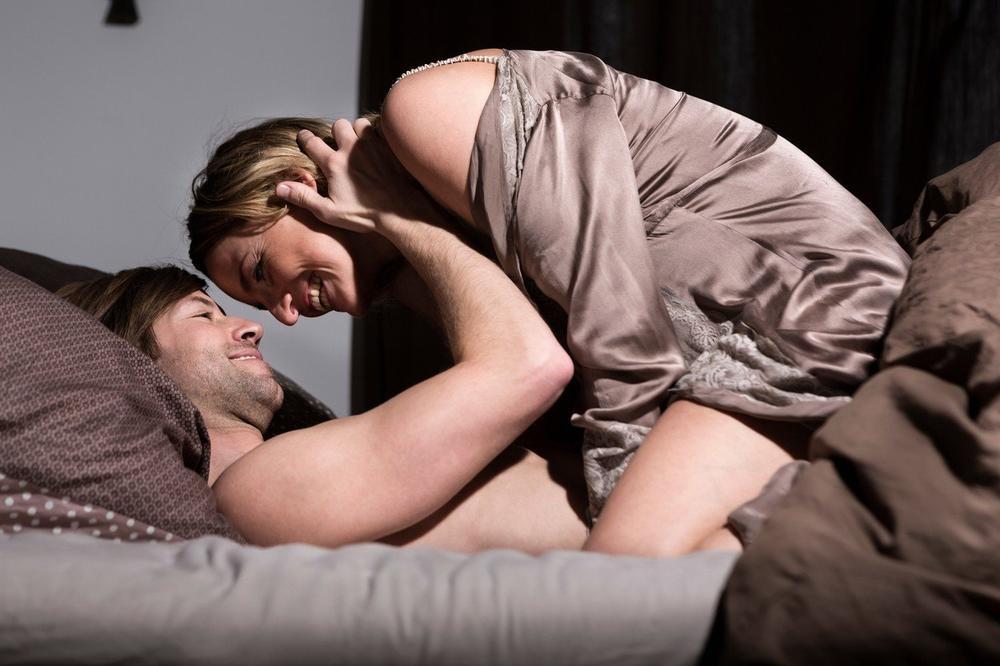 SMRŠAJTE U TOKU INTIMNOG ODNOSA: Ove poze u seksu zagarantovano tope kilograme!
