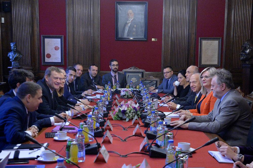 NIZ SASTANAKA U NARODNOJ BANCI: Počeli zvanični razgovori misije MMF sa srpskim zvaničnicima