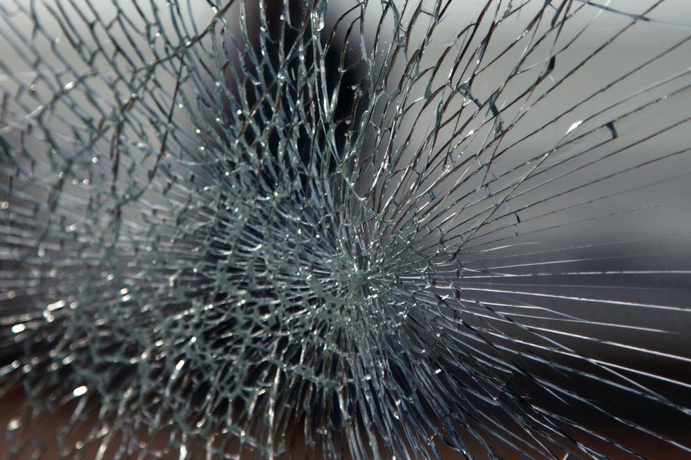 KAMENOVANA JEDINA HRVATSKA STRANKA U CRNOJ GORI: Vandali razbili staklo na jednoj od prostorija
