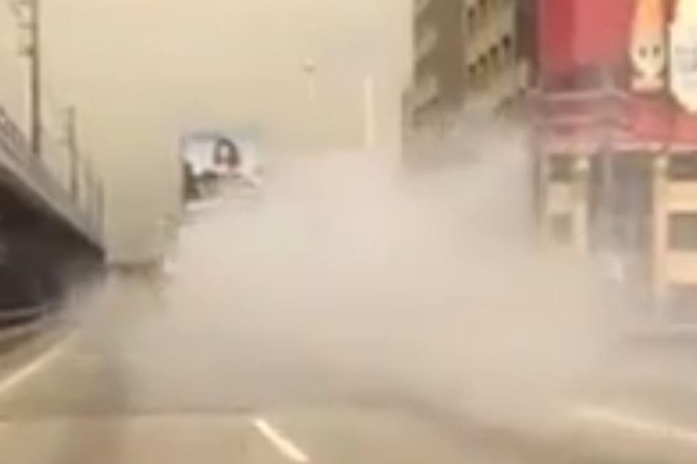 (VIDEO) Majstore, je l' voziš autobus na ugalj? Onda ti se makina zapalila!