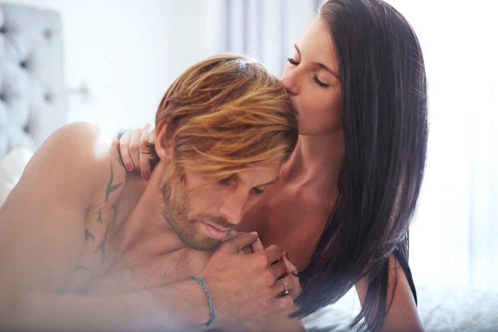 ČUVAJTE GA: Ovo su znaci da u krevetu imate pravog partnera!