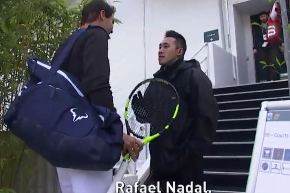 (VIDEO) A, KO SI SAD PA TI? Šok u Parizu: Radnik obezbeđenja zaustavio Rafaela Nadala jer ga nije prepoznao