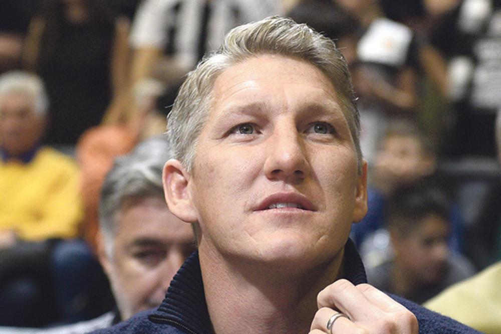 (VIDEO) ŠVAJNI ODUŠEVLJEN GROBARIMA: Evo kako je suprug Ane Ivanović video atmosferu na košarkaškom večitom derbiju i šta je poručio Partizanu!