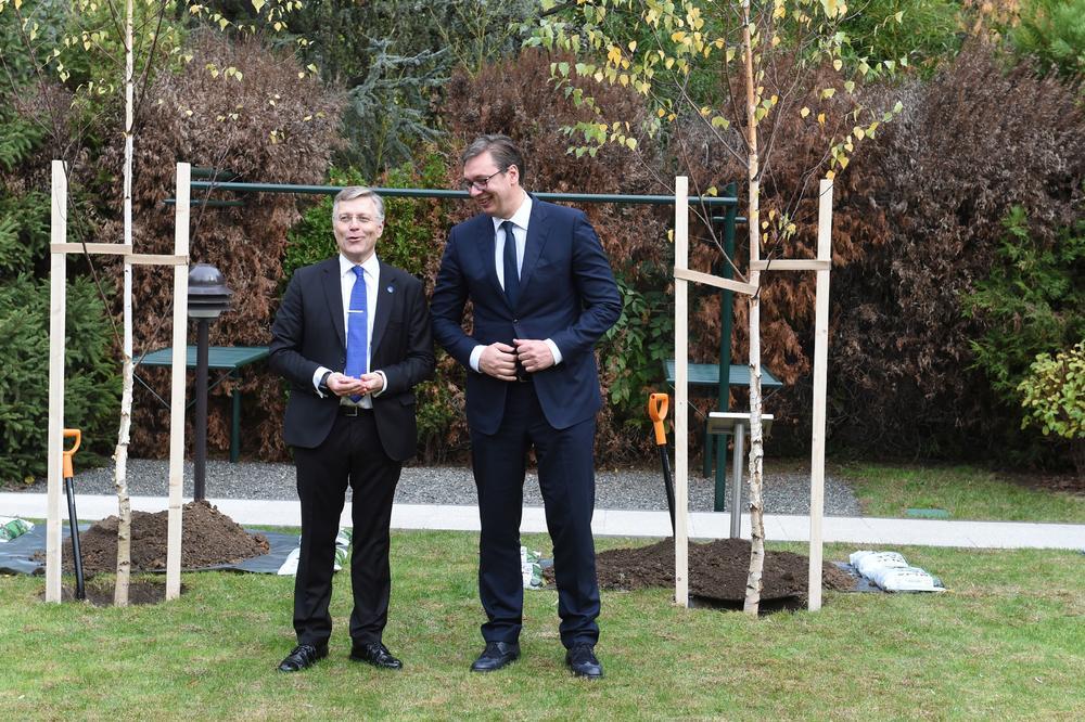 Vučić: Srbija godinu završava sa plusom u budžetu