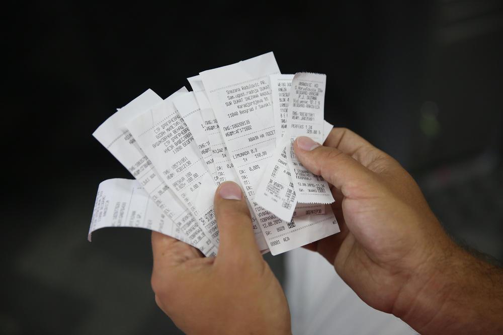 Fiskalni računi koje uzimamo svaki dan SADRŽE OPASNU HEMIKALIJU! (INFOGRAFIKA)