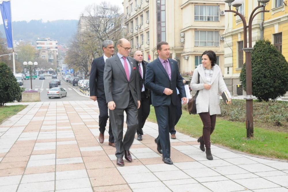 SRBIJA PRIMAMLJIVA ZA INVESTITORE: Norveški ambasador posetio Prokuplje!